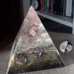 Orgonite em Pirâmide