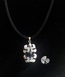 Gargantilha com Pérolas e cristais Swarovski
